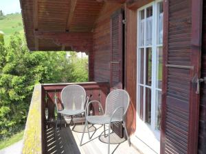 Chalet Papillon, Holiday homes  Schwanden - big - 6