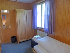 Chalet Papillon, Holiday homes  Schwanden - big - 7