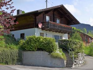 Chalet Papillon, Holiday homes  Schwanden - big - 14