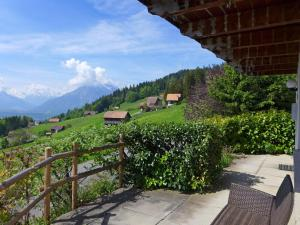 Chalet Papillon, Holiday homes  Schwanden - big - 16