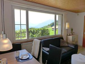 Chalet Papillon, Holiday homes  Schwanden - big - 17