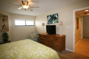 AquaVista East 305 Condo, Apartmanok  Panama City Beach - big - 4