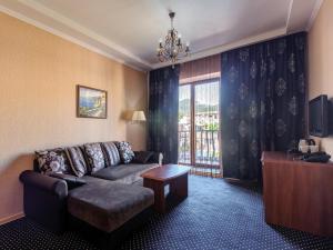 Marinus Hotel, Hotels  Kabardinka - big - 11
