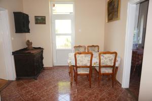 Honvéd apartmanház, Appartamenti  Balatonlelle - big - 7