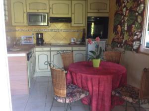 Appartement Dolores, Ferienwohnungen  Le Bois de Nèfles - big - 5