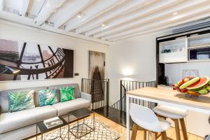 Deluxe Duplex Apartment with Three Bedrooms (2 Adults)