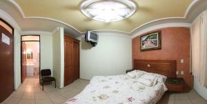 Hotel California, Hotely  Morelia - big - 4