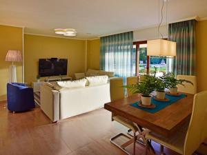 Holiday Home Chalet en Isla de la Toja, Prázdninové domy  Isla de la Toja - big - 25