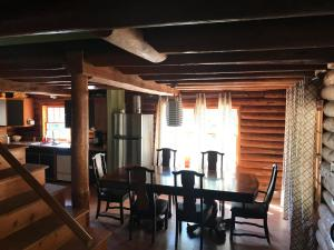 Mountain Trail Lodge and Vacation Rentals, Лоджи  Окхерст - big - 16