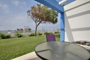 Beachfront townhouse Costa del Sol, Nyaralók  Estepona - big - 22