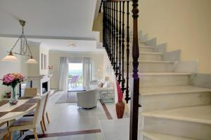 Beachfront townhouse Costa del Sol, Nyaralók  Estepona - big - 14