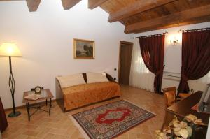 Colleverde Country House, Hotels  Urbino - big - 8