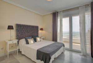 Beachfront townhouse Costa del Sol, Nyaralók  Estepona - big - 31