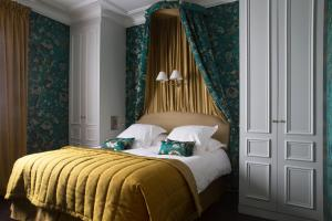 """""""Marquise"""" Superior Double or Twin Room"""