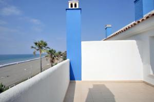 Beachfront townhouse Costa del Sol, Nyaralók  Estepona - big - 8