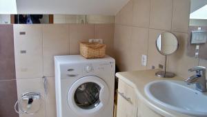 Home3city Na Poddaszu, Apartments  Sopot - big - 11