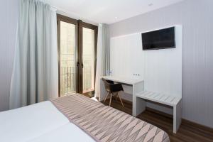 Hostal Operaramblas, Гостевые дома  Барселона - big - 29