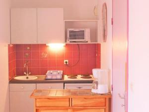 Apartment Les Cigalines, Apartmanok  Narbonne-Plage - big - 17
