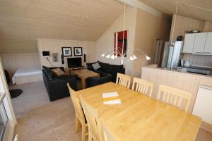 Væggerløse, Holiday homes  Bøtø By - big - 11