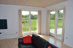 Four-Bedroom Holiday Home in Ribe, Ferienhäuser  Ribe - big - 6