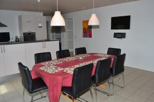 Four-Bedroom Holiday Home in Ribe, Ferienhäuser  Ribe - big - 13
