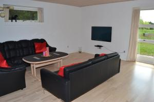 Four-Bedroom Holiday Home in Ribe, Ferienhäuser  Ribe - big - 16