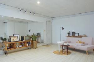 La Casa - The Hide Away Studio, Apartments  Hanoi - big - 16