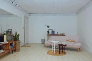 La Casa - The Hide Away Studio, Apartments  Hanoi - big - 10