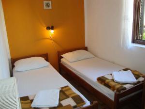 Apartments Antonela, Ferienwohnungen  Tribunj - big - 70