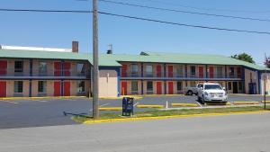 Budget Inn - Washington, Motels  Washington - big - 53