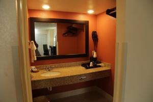 Budget Inn - Washington, Motels  Washington - big - 29