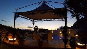La Suite del Faro, Bed and breakfasts  Scalea - big - 40