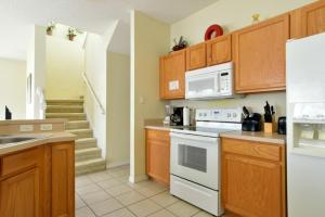 Lake Front Escape Townhouse - Kissimmee
