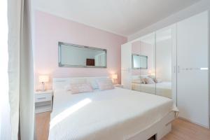Apartments Villa Made 4U, Apartments  Mlini - big - 51