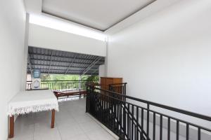 RedDoorz Plus near RS UGM, Vendégházak  Yogyakarta - big - 13