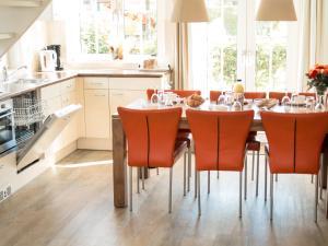 Holiday Home Bungalowparck Tulp & Zee.3, Holiday homes  Noordwijk - big - 11