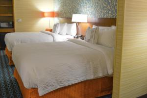 Fairfield Inn & Suites by Marriott Canton South, Hotels  Canton - big - 15