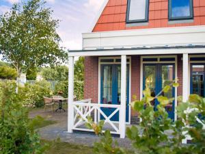 Holiday Home Bungalowparck Tulp & Zee.4, Holiday homes  Noordwijk - big - 11