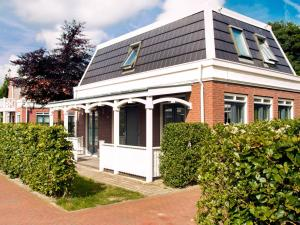 Holiday Home Bungalowparck Tulp & Zee.4, Holiday homes  Noordwijk - big - 12