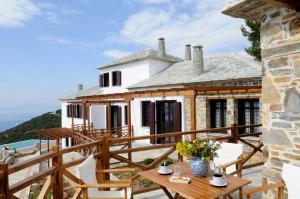 Esperos Suites & Villas
