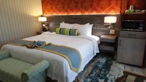 SenS Hotel and Vanne Bistro Berkeley