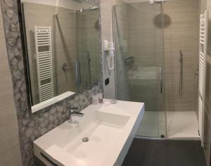 Hotel Villa Rosa, Hotel  Nago-Torbole - big - 29