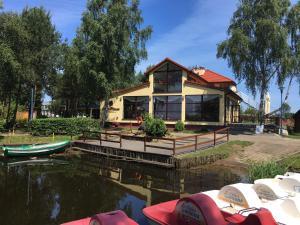 Stanica Wodna, Resort  Dźwirzyno - big - 40
