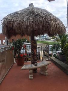 Waikiki Oceanfront Inn, Motely  Wildwood Crest - big - 32