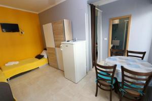 Studio Novalja 13497a, Apartmanok  Novalja - big - 6