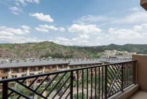 The Modern Holiday Villa Beijing Gubeikou Branch, Apartments  Miyun - big - 26