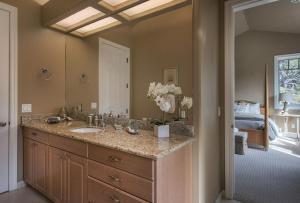 Pacific's Edge Sanctuary - Five Bedroom Home - 3707, Dovolenkové domy  Carmel - big - 22