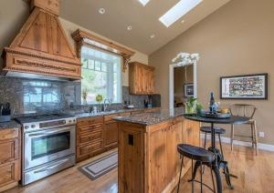 Pacific's Edge Sanctuary - Five Bedroom Home - 3707, Holiday homes  Carmel - big - 16
