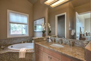 Pacific's Edge Sanctuary - Five Bedroom Home - 3707, Holiday homes  Carmel - big - 13