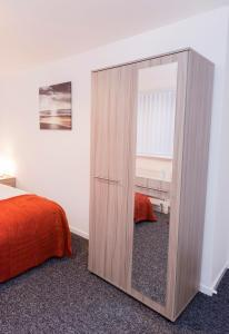 SSA - Atholl House Glasgow Airport, Apartments  Paisley - big - 13